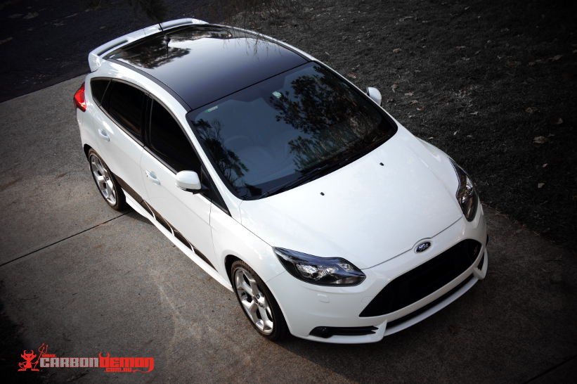 Ford Focus Gloss Black Roof Custom Stripes
