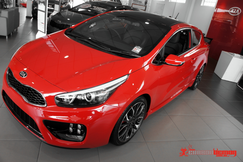 KIA pro_cee'd GT gloss black roof wrap