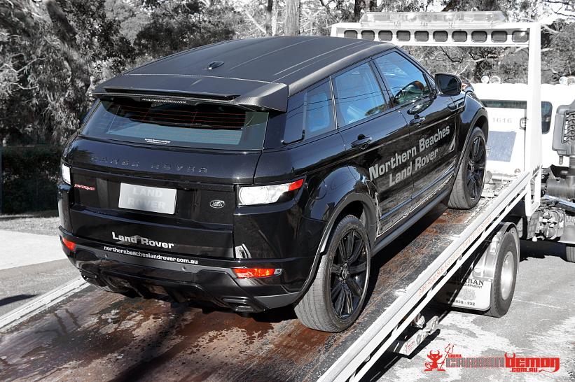 Land Rover Evoque Carbon Fibre Vinyl Roof Wrap