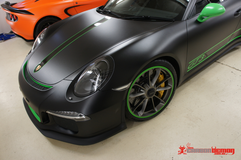 Porsche Vinyl Wrap Carbon Demon