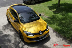 Renault Megane RS275 gloss black roof wrap