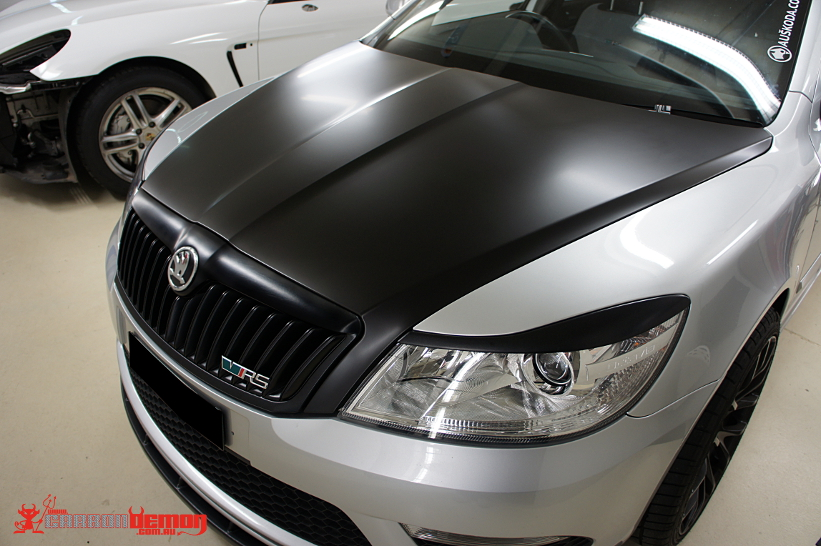 Skoda RS Matte Black Vinyl Bonnet Wrap