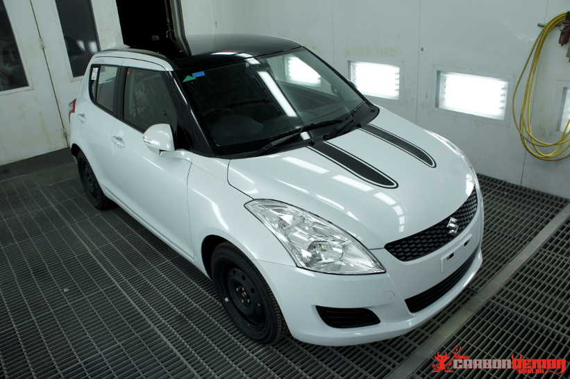 Suzuki Swift Kizashi Black Roofs And Custom Stripes