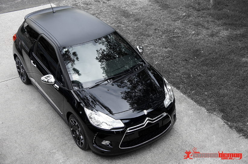 Citroen DS3 (Roof colour change with vinyl)